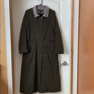 Jones New York green trench coat size small